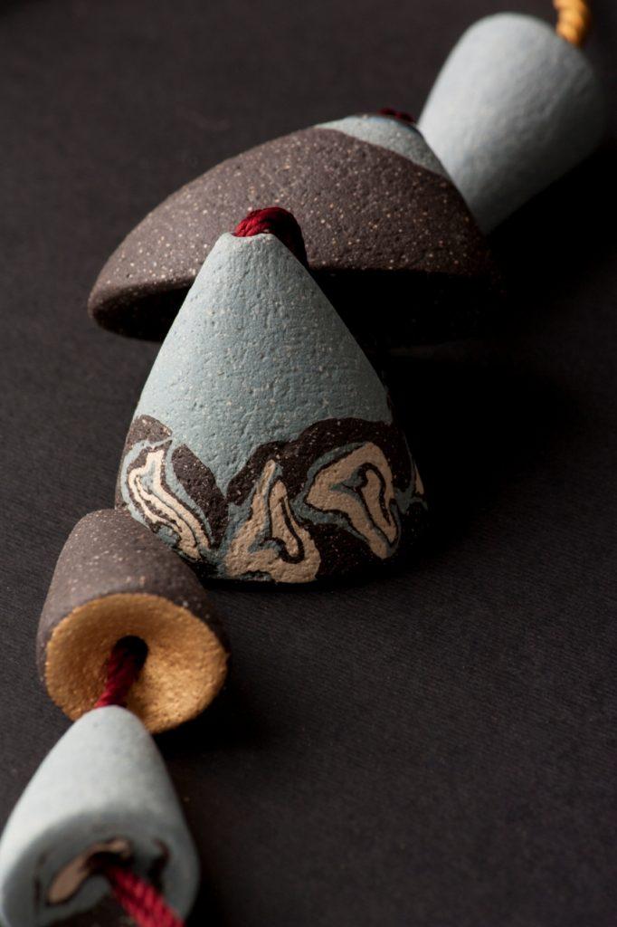 Tambores (Stoneware necklace)